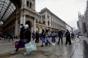 En los últimos días los italianos han aprovechado para realizar sus compras navideñas antes del confinamiento.