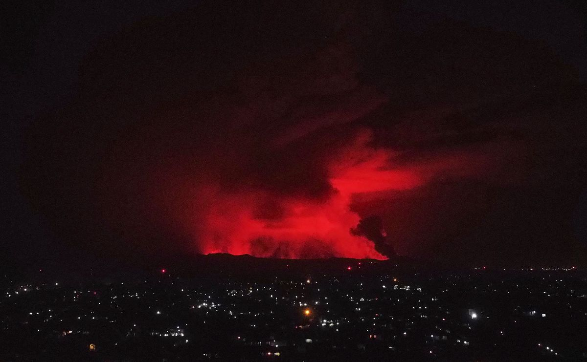 Erupción del volcán Nyiragongo, junto a la ciudad de Goma (Congo).
