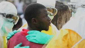 Un enfermo de ébola escapa del hospital para ir a buscar comida en Liberia