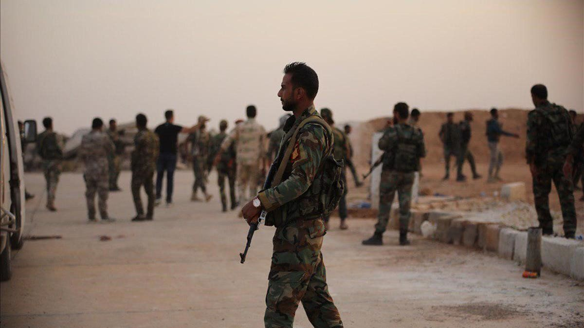 Soldados sirios en la base de Al Tabqa el pasado mesa de octubre.