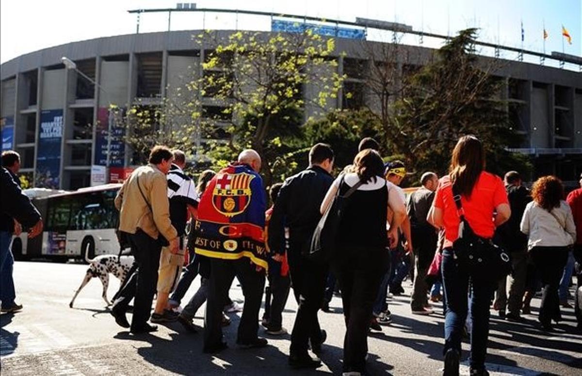 Accesos del público al Camp Nou.