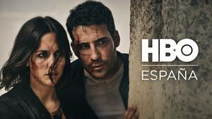 Megan Montaner y Miguel Ángel Silvestre en una escena de '30 monedas', la nueva serie de Álex de la Iglesia para HBO.