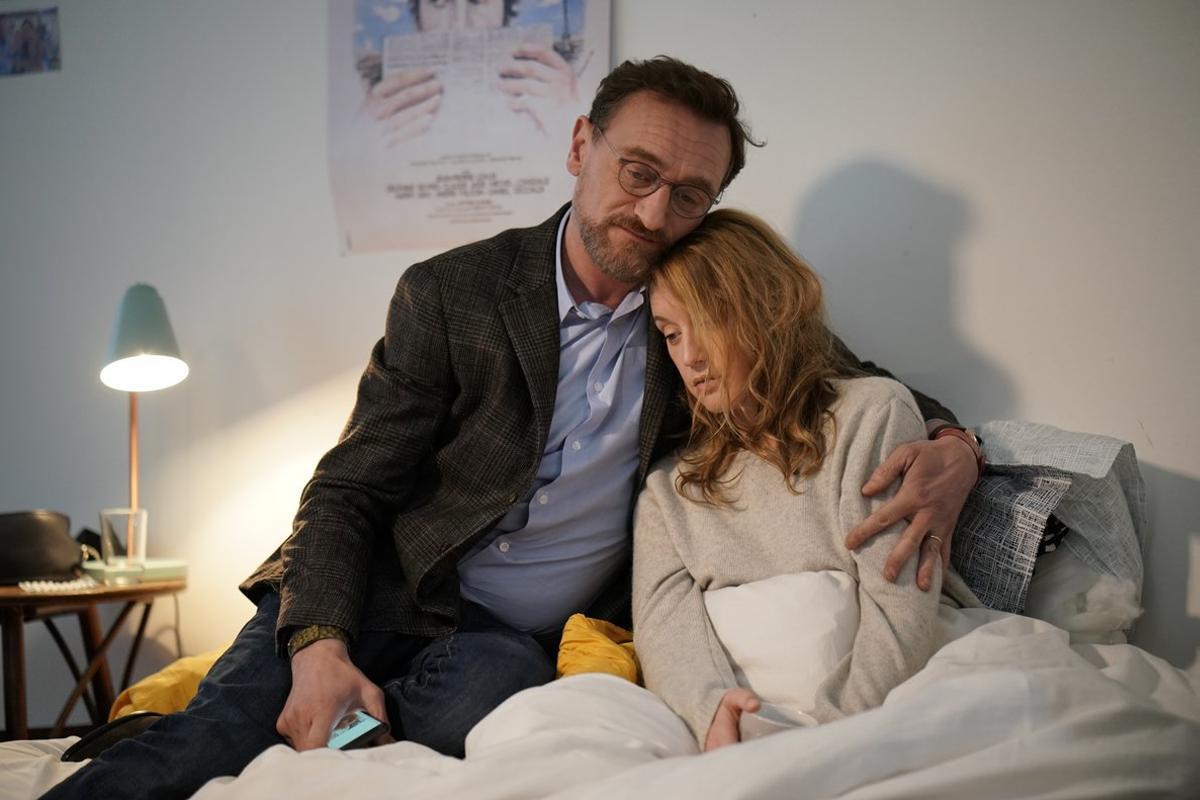 El director, Jean-Paul Rouve, junto a la actriz Ludivine Sagnier.