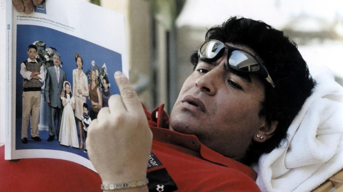 Maradona, en la imagen del Sónar del 2002