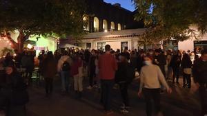 Imagen de la celebración en la parroquia de Barcelona desalojada por la Guardia Urbana.
