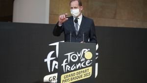 Christian Prudhomme anuncia en Bilbao que la capital vizcaína acogerá la salida del Tour en 2023.