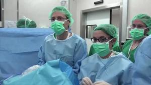 Sant Joan de Déu y el Clínic incorporan una herramienta de cirugía fetal pionera en el mundo que reduce la fertilidad en gemelos.