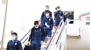 Llegada de la selección de fútbol de Kosovo a Sevilla para jugar contra España.