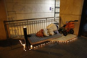 Homenaje a la tercera persona sin techo fallecida en Barcelona en pocos días.