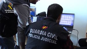 102 detinguts en una macrobatuda contra el porno infantil