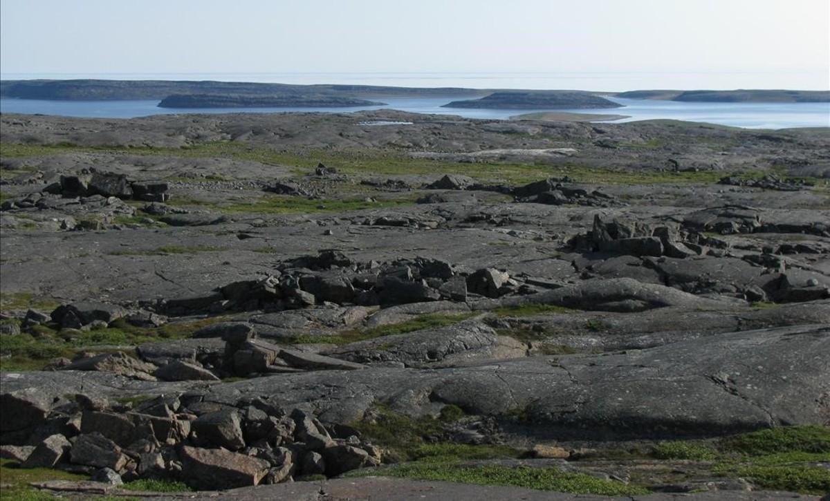 Paraje del CinturónNuvvuagittuq, en el norte de Canadá, donde se han hallado los fósiles de las primitivas bacterias.