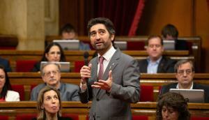 10/04/2019 El consejero de Políticas Digitales de la Generalitat, Jordi Puigneró, interviene desde su escaño en una sesión plenaria en el Parlamento de Cataluña.