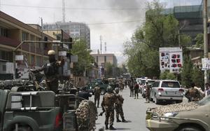 Imagen de la zona afectada por la explosióncontra una ONG internacional en Kabul.