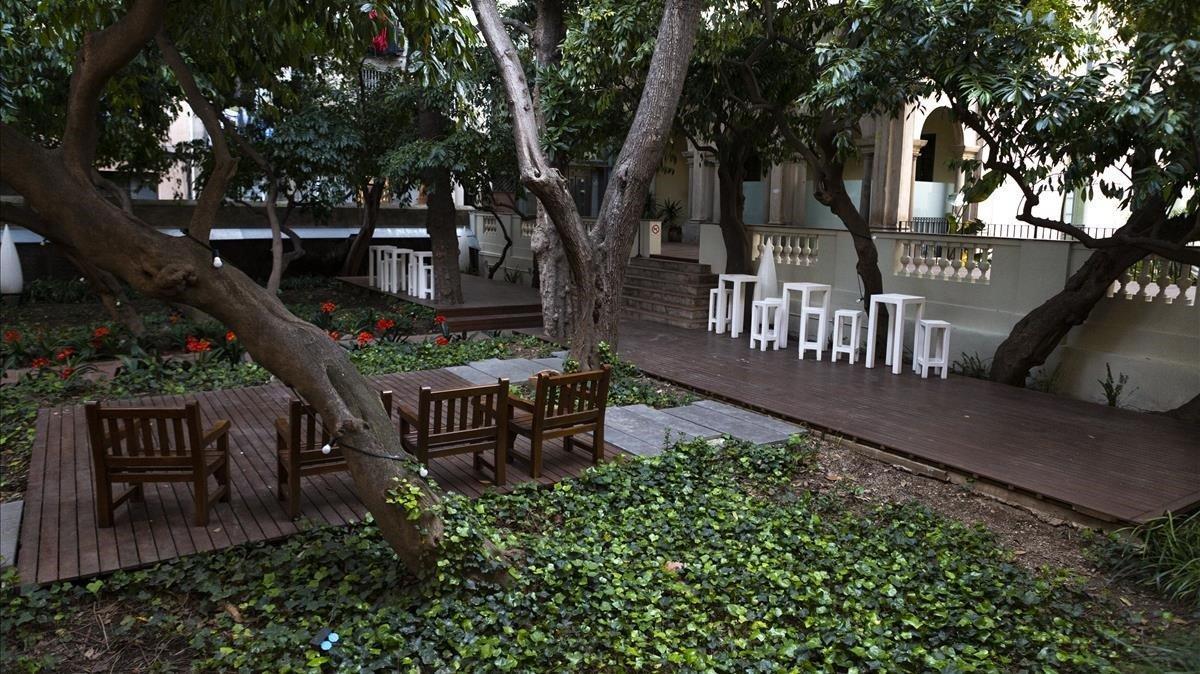 El jardín de la casa Ignacio de Puig se encuentra a escasos metros de la Boqueria.