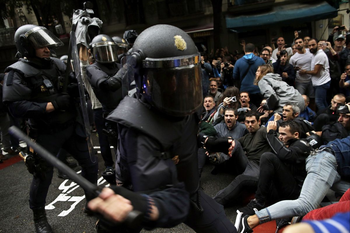 L'Audiència de Barcelona rebutja arxivar la causa de les càrregues de l'1-O
