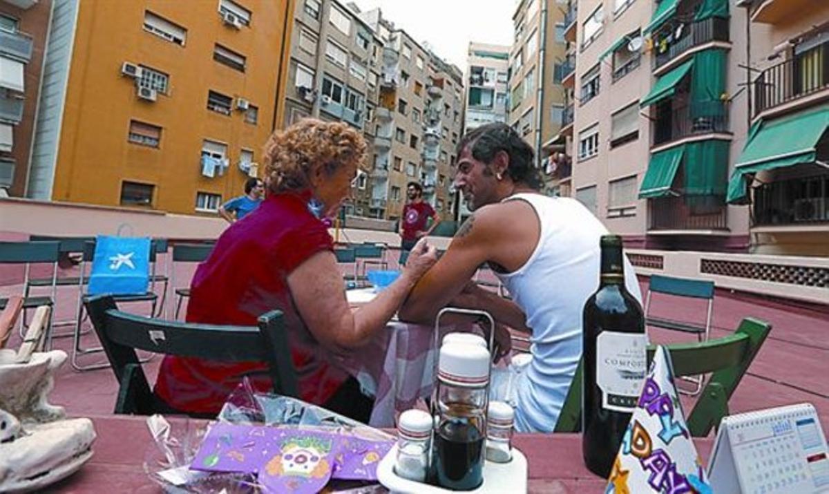 'Crisis' 33 Un drama en la terraza del nuevo espacio escénico.