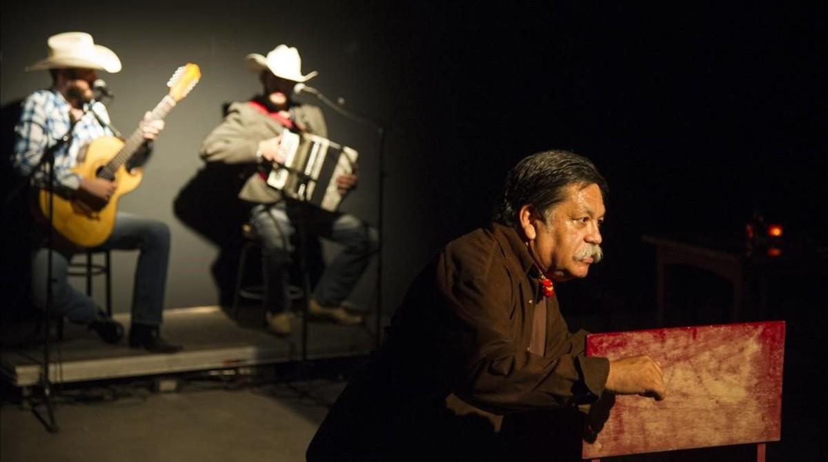 Momento de 'Misa Fronteriza',de la compañía mexicana Universiteatro &Goruz Teatro.