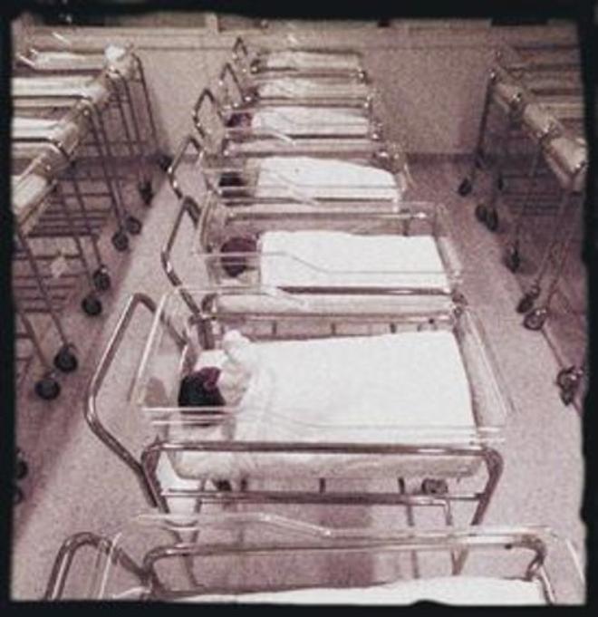 Sala de nounats de la Clínica Dexeus de Barcelona, l'any 1994.