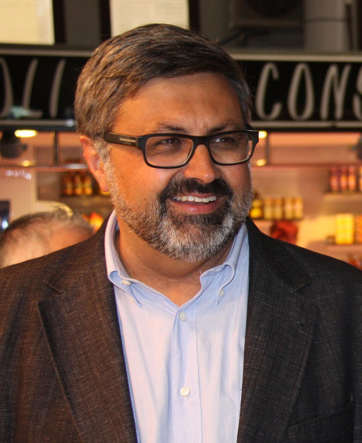 Joaquim Fernàndez, jefe del grupo municipal de CiU en Mataró y primer teniente de alcalde del gobierno local, en una imagen de la campaña electoral de 2015.