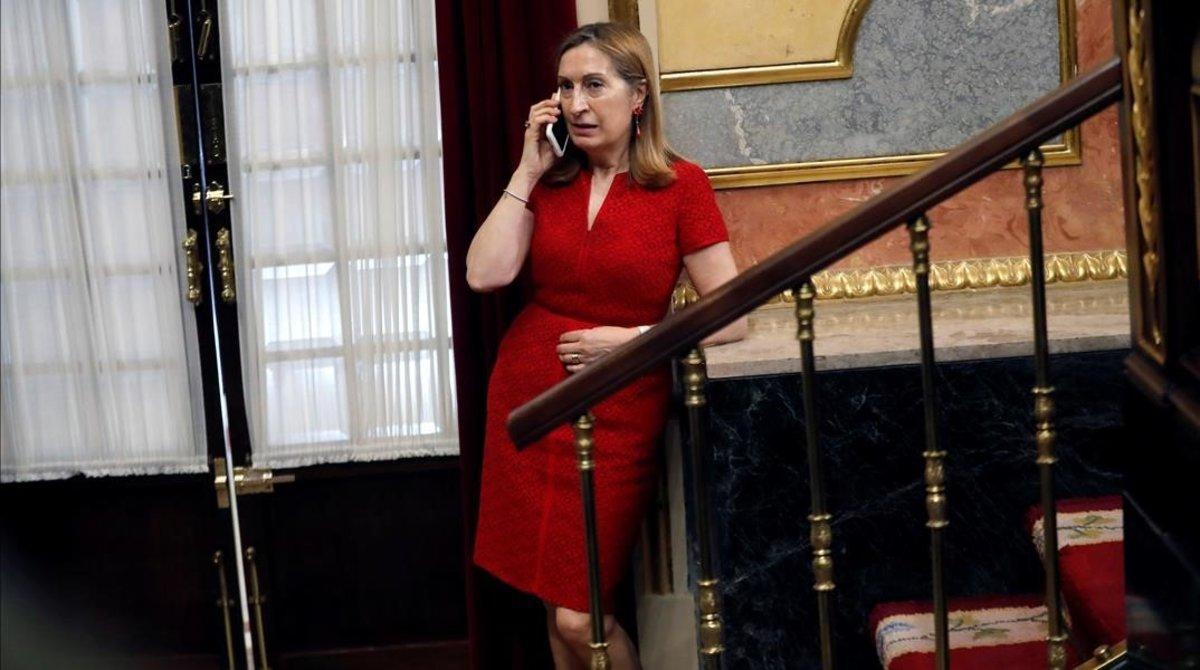 Ana Pastor, en julio del 2018 en los pasillos del Congreso de los Diputados.