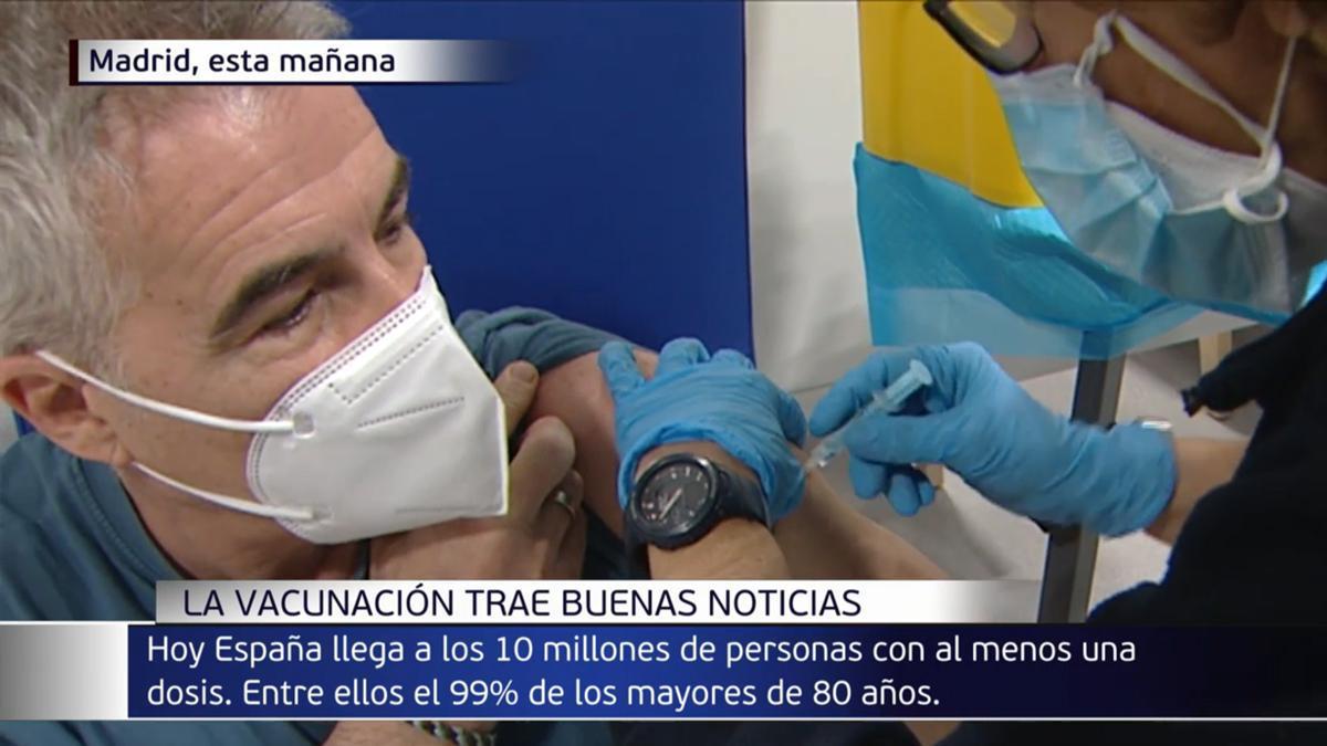 """David Cantero recibe la vacuna de AstraZeneca: """"Una responsabilidad que todos debemos asumir"""""""