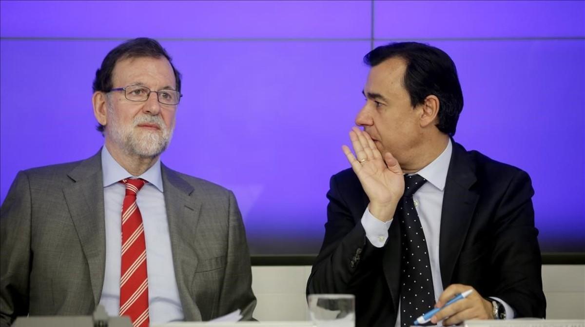 Mariano Rajoy y el coordinador del PP, Fernando Martínez-Maillo, en un comitéejecutivo del PP.