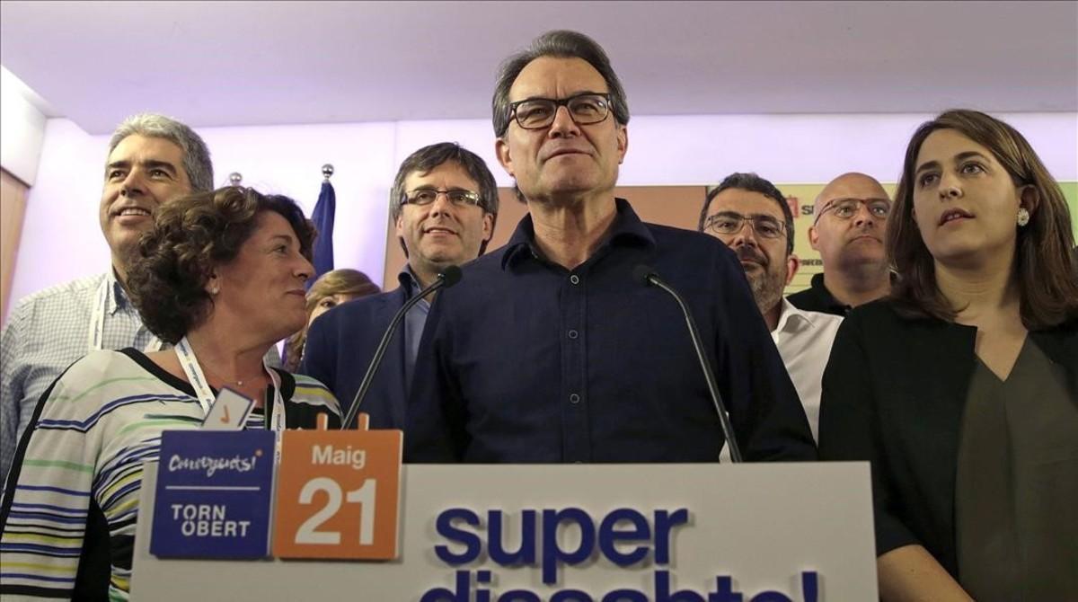 El presidente de CDC, Artur Mas, tras anunciar los resultados de la consulta interna del partido el pasado sábado.