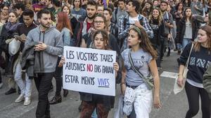 Catalunya posa fi a la sagnia de les taxes universitàries: costaran el 30% menys