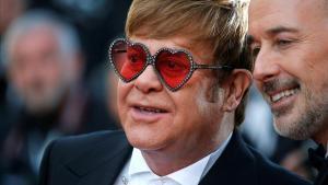 Elton John y su pareja David Furnish.