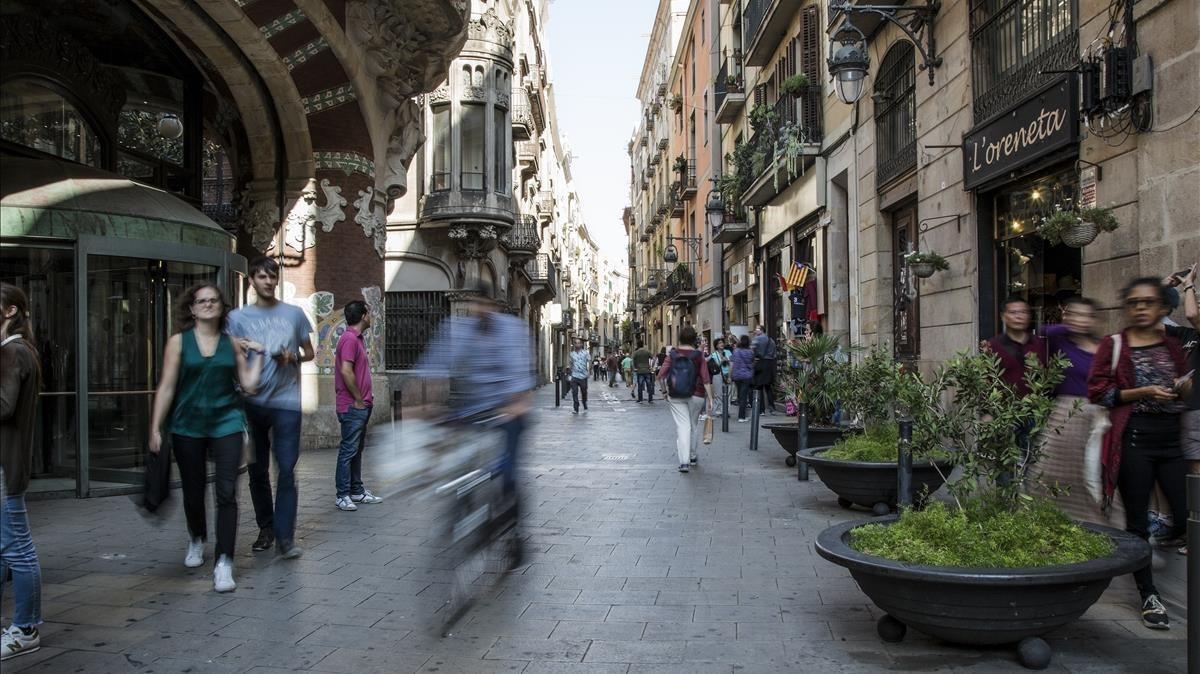 Imagen de la calle de Sant Pere més alt, en el distrito de Ciutat Vella.