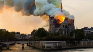 Especial sobre el incendio de Notre Dame de París en el progama'Fuera de control', de DMAX.