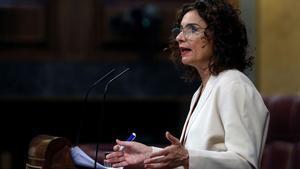 María Jesús Montero dice que el impuesto a transacciones financieras no afectará a las familias.