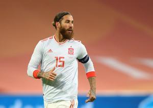 Sergio Ramos durante un partido con la selección española.