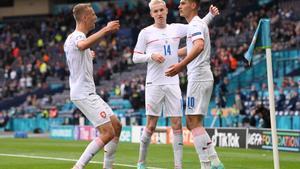 Schick condueix la victòria txeca contra Escòcia