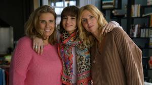 La directora Lisa Azuelos (izquierda), con su hija Thaïs Alessandrin (centro) y su 'alter ego', Sandrine Kiberlain.