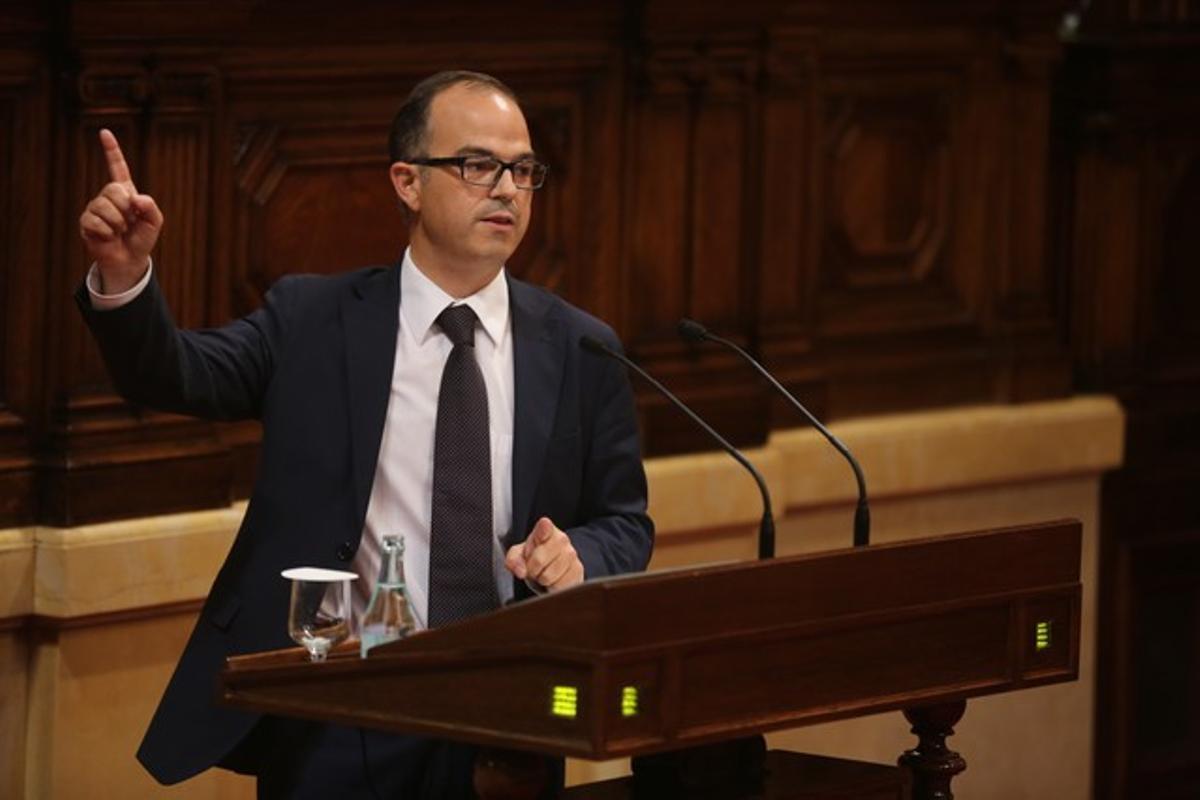 Jordi Turull, en una sesión del Parlament. JULIO CARBÓ