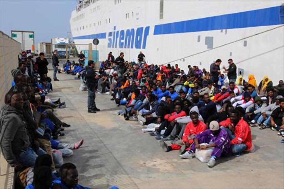 LAMPEDUSA.En los últimos 27 años, han llegado a la isla italiana 250.000 inmigrantes.