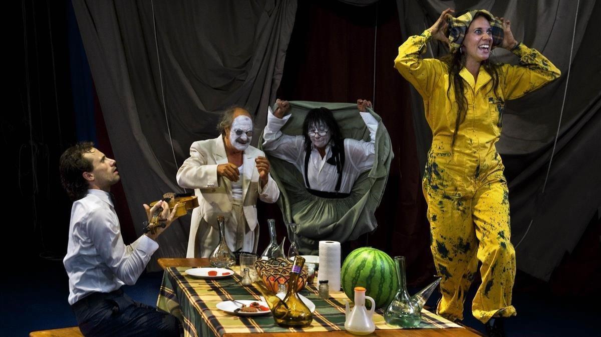 Una escena de 'Travy', en el Espai Lliure.