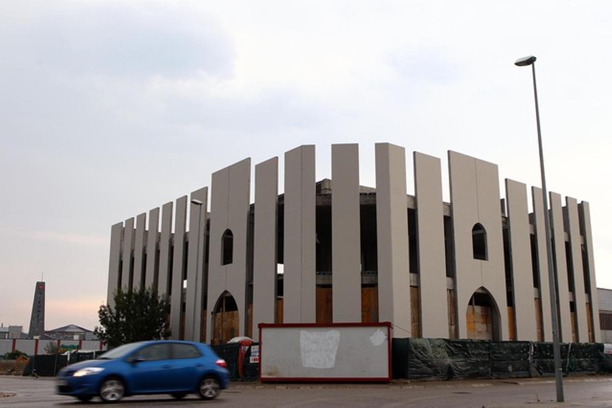 El solar adquirido por Atauil para construir una mezquita, en el polígono Torre Mirona de Salt.