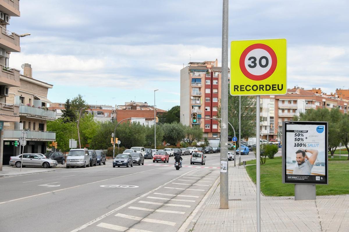 La avenida Estatut de Rubí con la nueva limitación a 30km/h