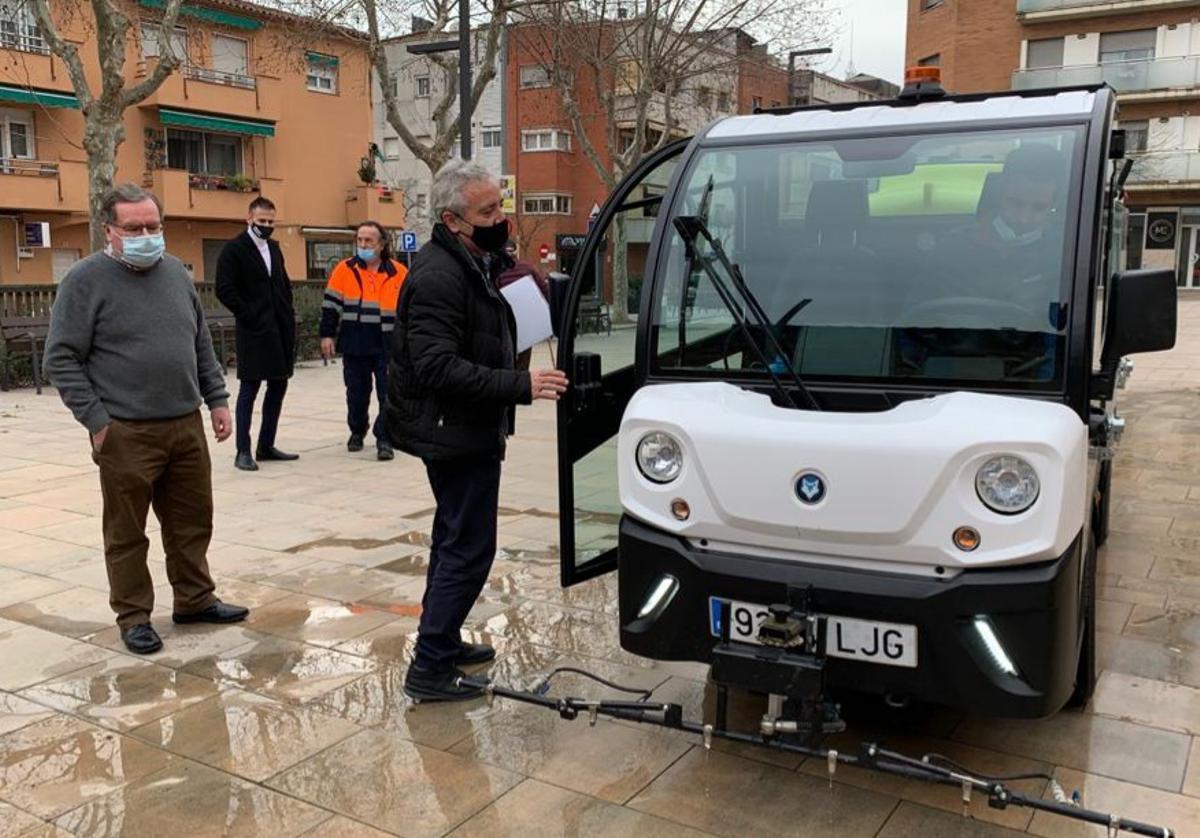 El alcalde de Parets, Francesc Juzgado, en la prueba de maquinaria de la semana pasada