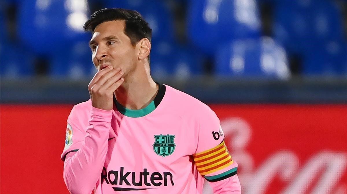 Messi se lamenta durante el partido ante el Getafe