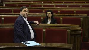 Oriol Junqueras y Marta Rovira, en el Parlament en abril del 2017.
