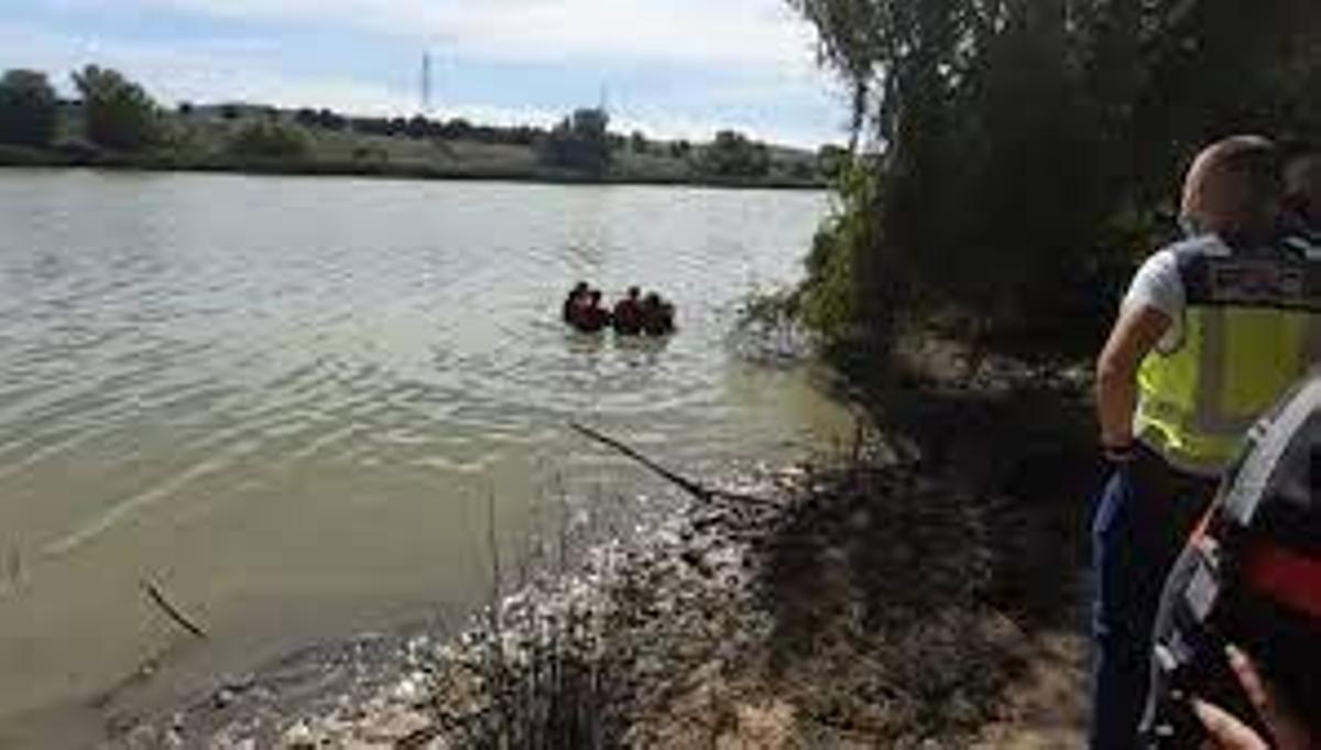El cuerpo decapitado fue hallado en aguas del Guadalquivir