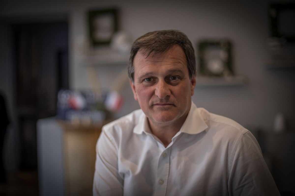 El alcalde de Perpinyà, Louis Aliot, durante la campaña electoral del año pasado.