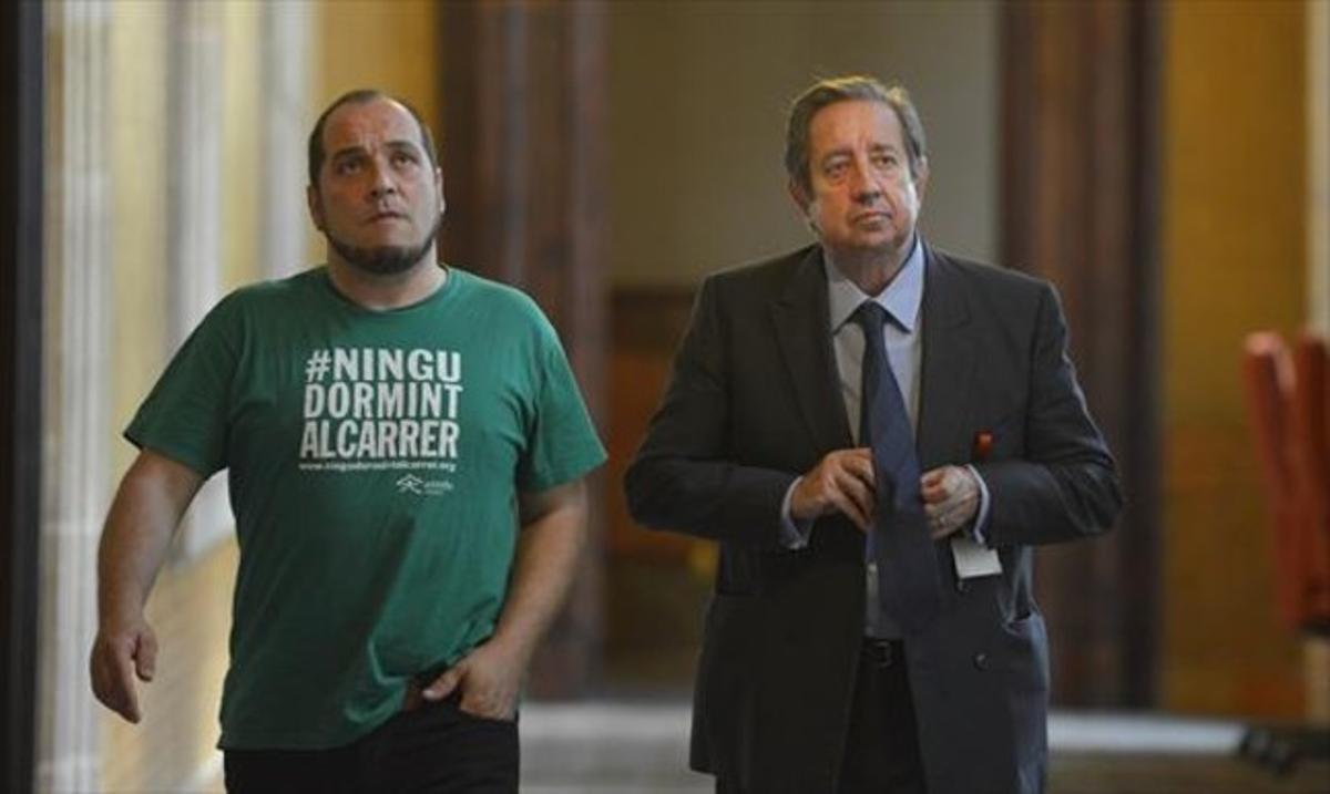 El presidente de la 'comisión Pujol', David Fernàndez, y el empresario Javier de la Rosa, ayer en el Parlament.