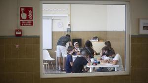 Niños en una clase de Primaria