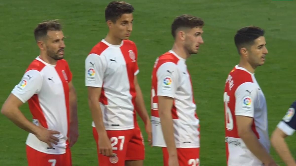 Stuani, Terrats, Santi Bueno y Juanpe, preparados para rematar un córner ante el Lugo.