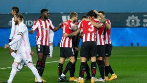 Los jugadores del Athletic celebra un gol ante Ramos.