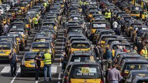 El taxi esgarrapa el compromís de la Urbana de controlar més les VTC